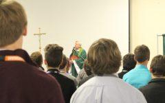 Sophomore Retreats Culminate in Class Mass