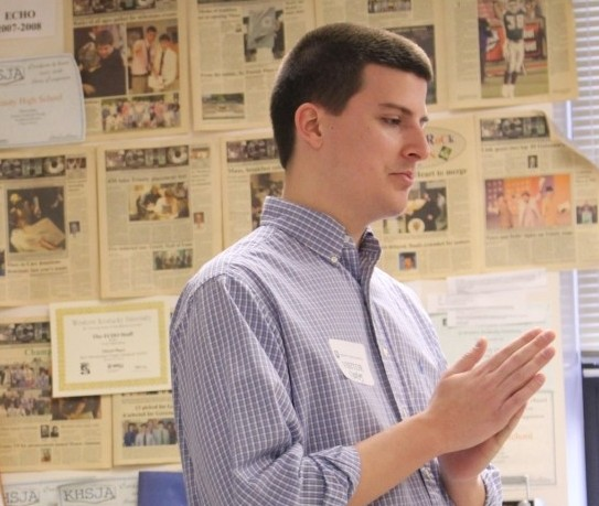 Trinity alumnus Kyle Williams '10 spoke with the Photo and Online Journalism class about his experiences at Western Kentucky University and The Courier-Journal.