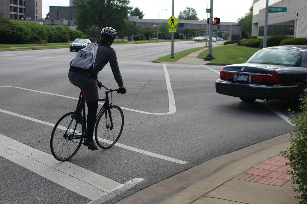 A+Louisville+cyclist