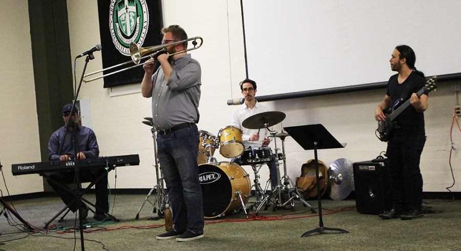 A+UL+jazz+ensemble+performs+for+Trinity+students+on+Mar.+29+in+the+Convocation+Hall.+