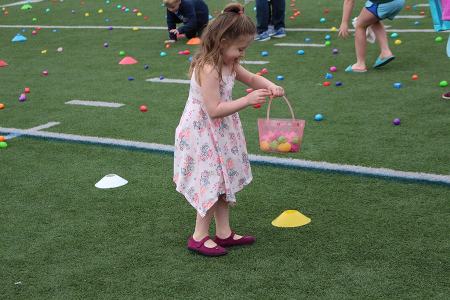 The+Easter+Bunny+made+a+Shamrock+stop+on+Saturday+for+the+annual+Easter+Egg+Hunt.+