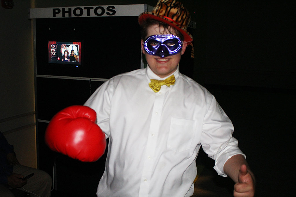 The annual Junior Class Formal was a real knockout!