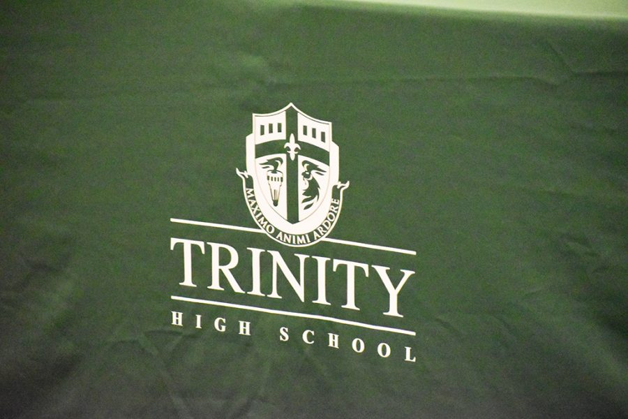 Generations+of+Trinity+alumni+attended+a+retreat+in+the+Convocation+Hall+on+Feb.+8.
