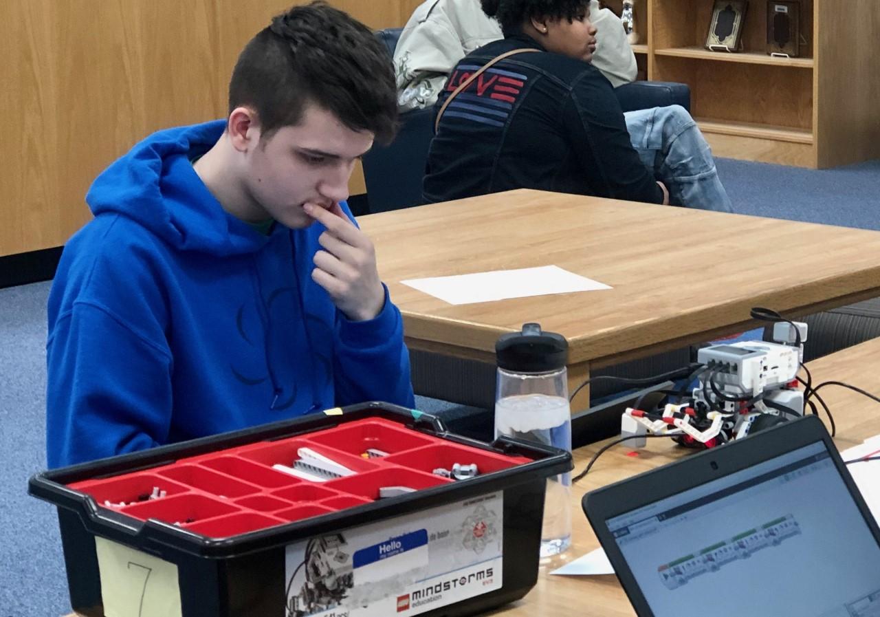 Trinity Junior Wins Live Programming at RoboRumble