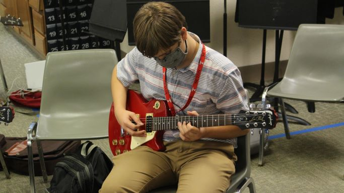 From Steel String to Stratocasters, Guitar Club Welcomes All